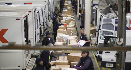 FedEx to hire 55,000 workers as e-commerce takes over the holidays